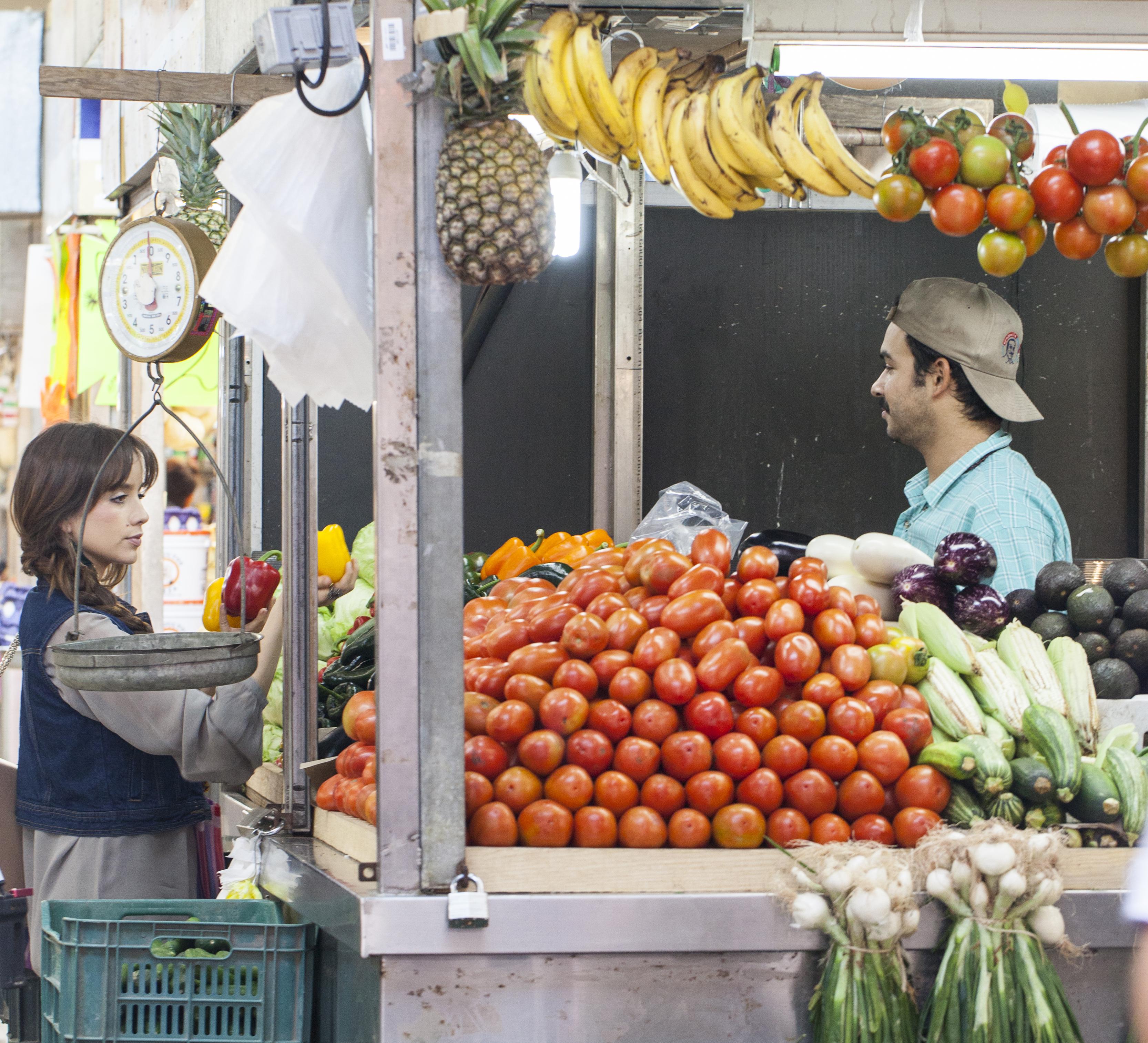 Chica en el mercado